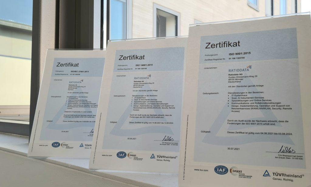 Die ISO-Zertifikate ISO 9001, ISO 14001 und ISO 27001.